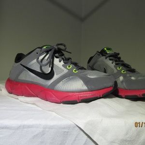 Women's Nike Training Quick Fit Shoe Flywire SZ 9